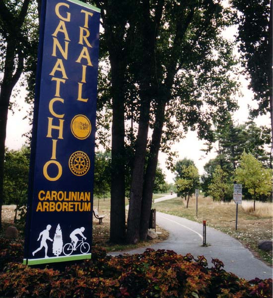 a close up shot of the Ganatchio Trail signage