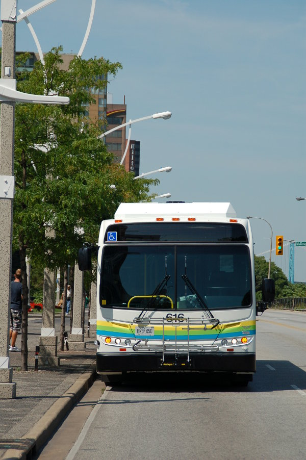 Bus on Riverside Drive